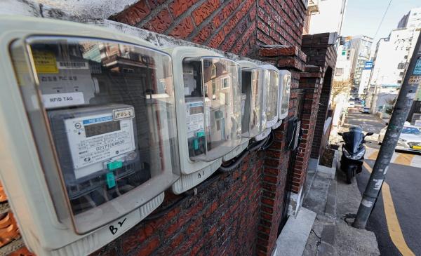 서울 주택가에 설치된 전기 계량기. 사진=연합뉴스